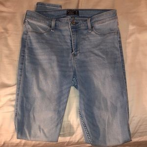 Light Wash Abercrombie & Fitch Jeans